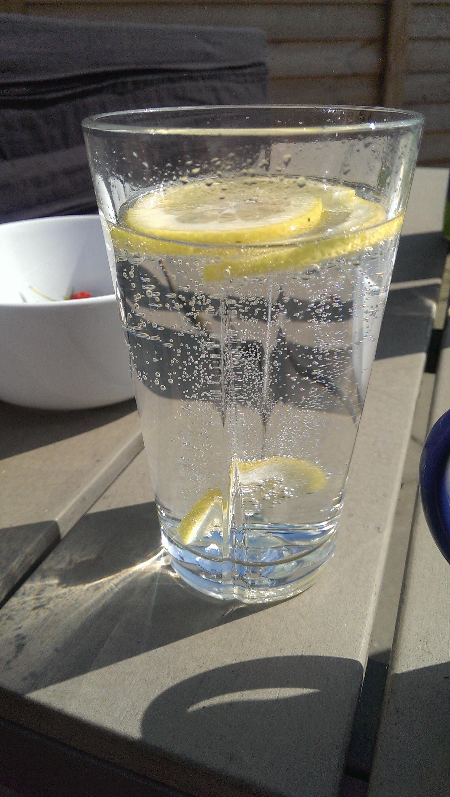 Citron vand er perfekt til LCHF