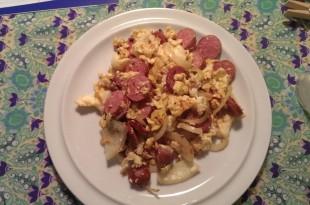 hurtig lchf morgenmad med pølser og æg
