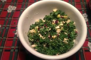frisk salat med grønkål og æbler