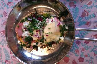 LCHF omelet med ost og pølser