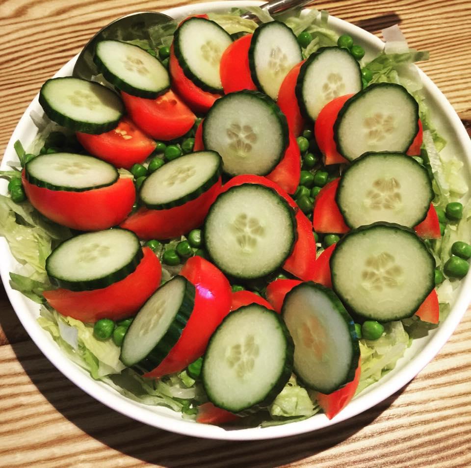 hurtig og lækker agurk og tomat salat