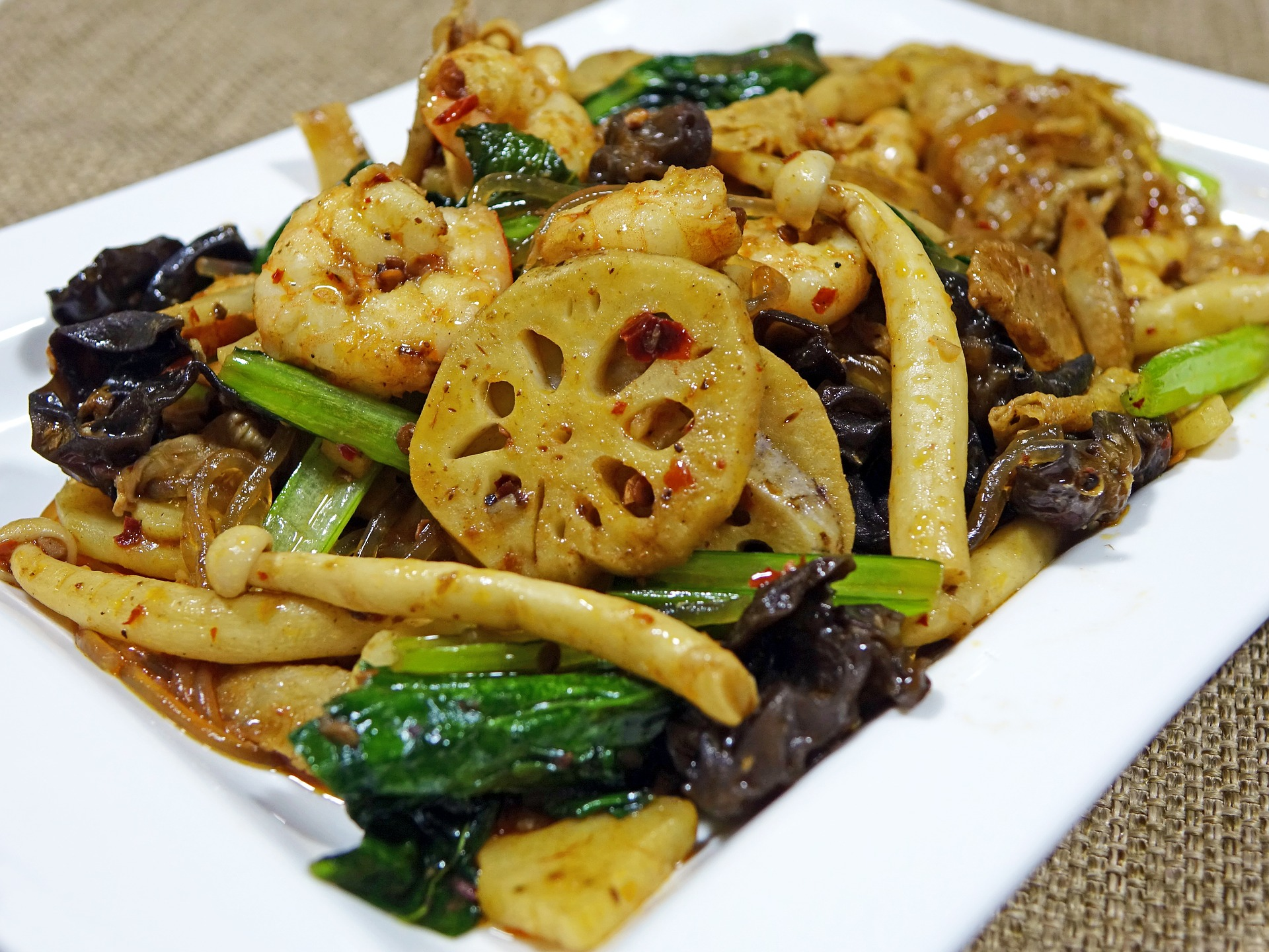 Spicy svampe i wok