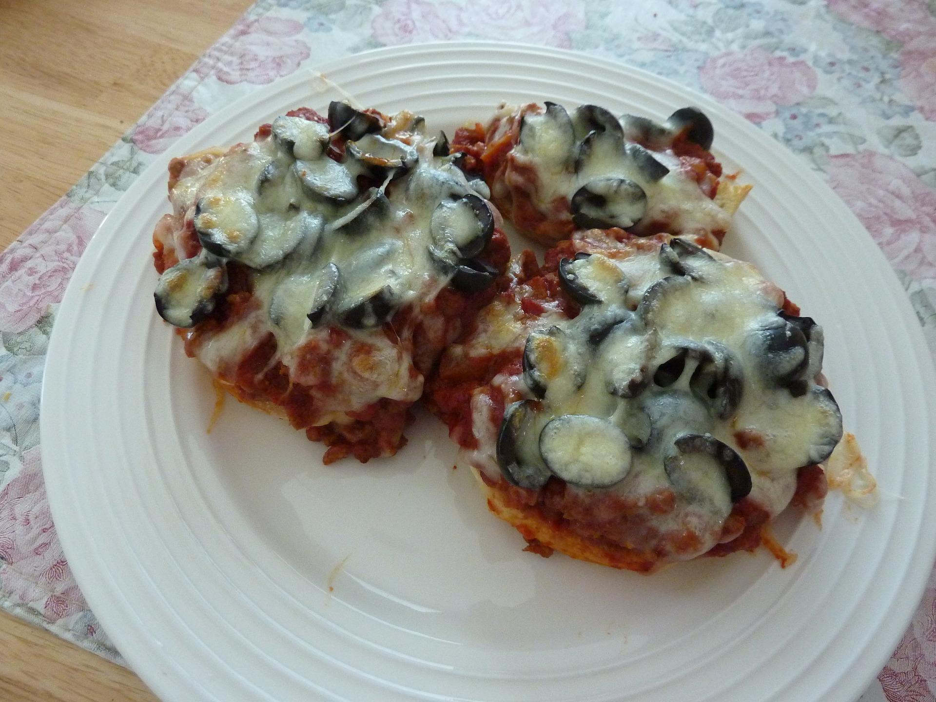 LCHF mini pizza - på Oopsie bund