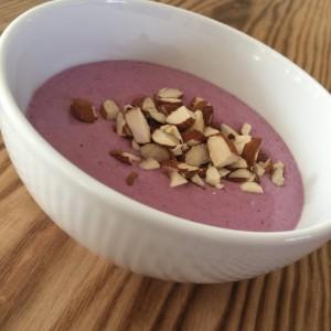 LCHF yoghurt med frugt og bær